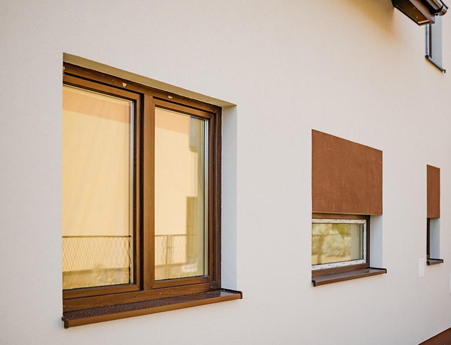 nowe okno w domu keramzytowym